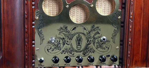 27-Guitar-Amp