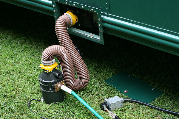 can you hook up a rv to a septic tank