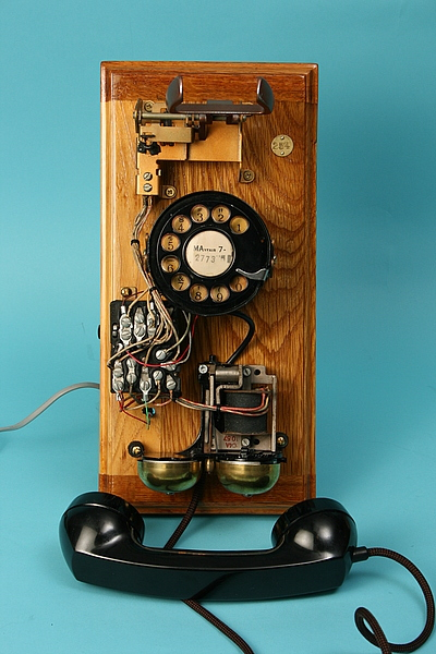 steampunk workshop telephone