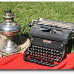 Dump Finds: Rayo Lamp, Typewriter