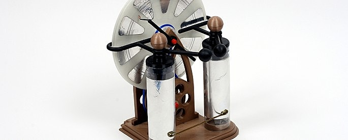 3-D printed Wimshurst machine back